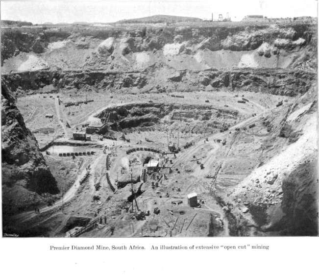 Exploitation à ciel ouvert de la Mine Premier en Afrique du Sud, avant 1903.