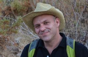 Don Kogen chasseur de pierres précieuses chez Juwelo bijouterie en ligne