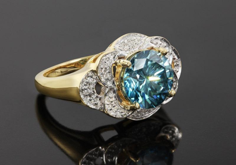 Bague en diamant bleu